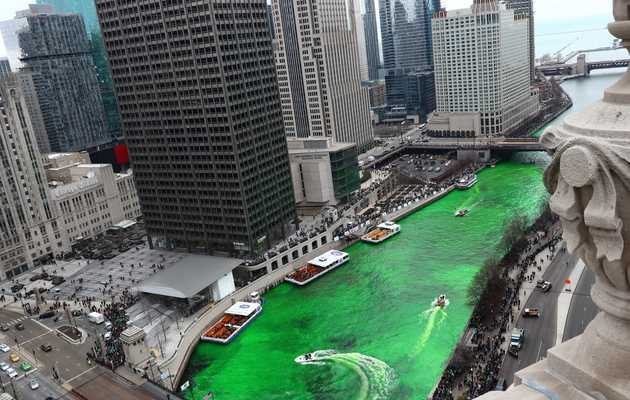 Time-Lapse Video Captures the Chicago River Going Green for St. Patrick's Day