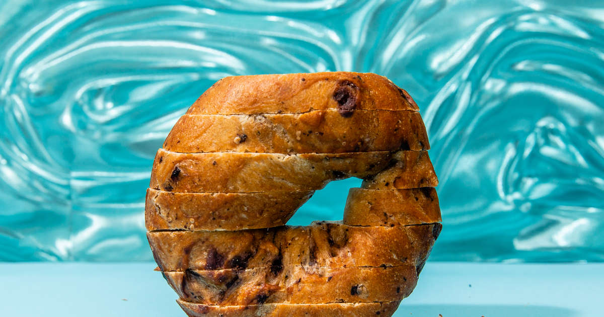 Slicing Bagels Like Bread Is Actually A Good Thing You Should Try It Thrillist