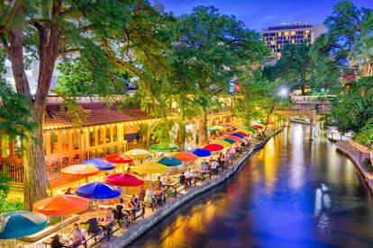 restaurants river walk