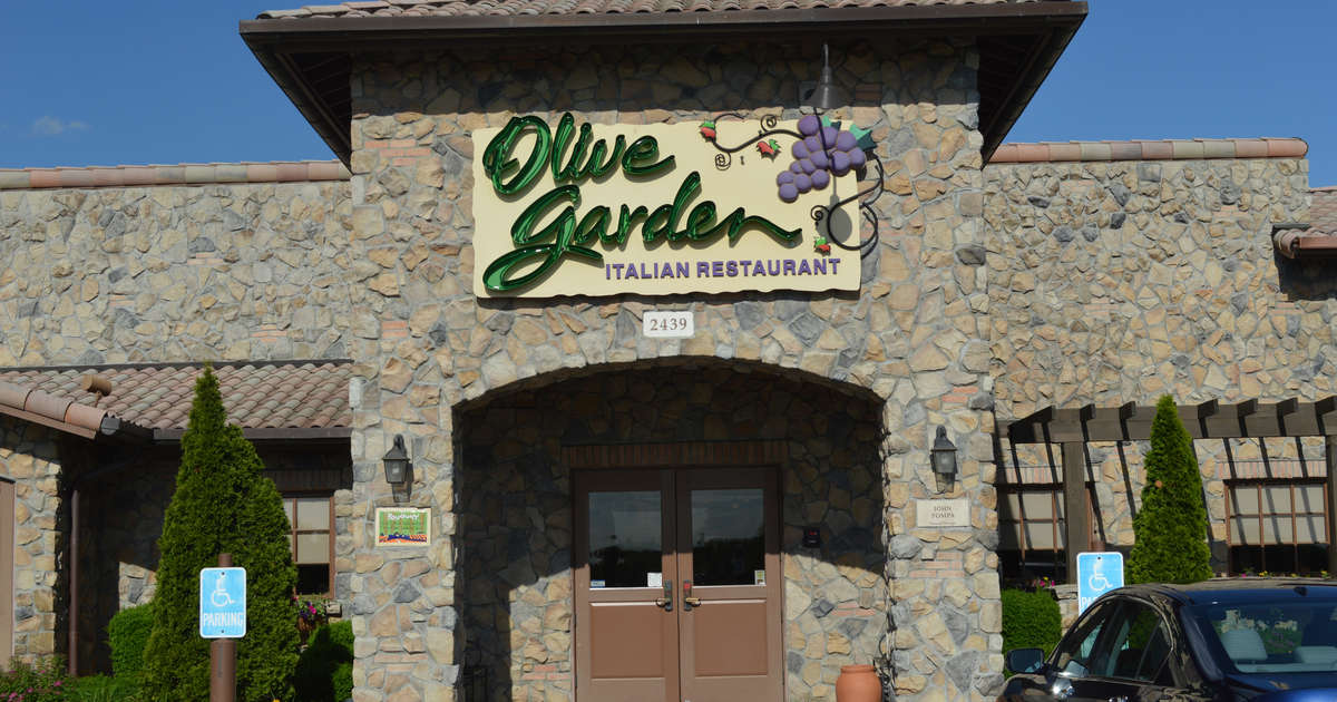 Florida Man Arrested Outside Olive Garden While Angrily Eating