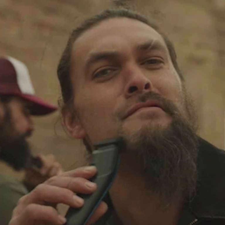 Jason Momoa Mustache: Jason Momoa Shaves His Beard & Delivers Recycling PSA
