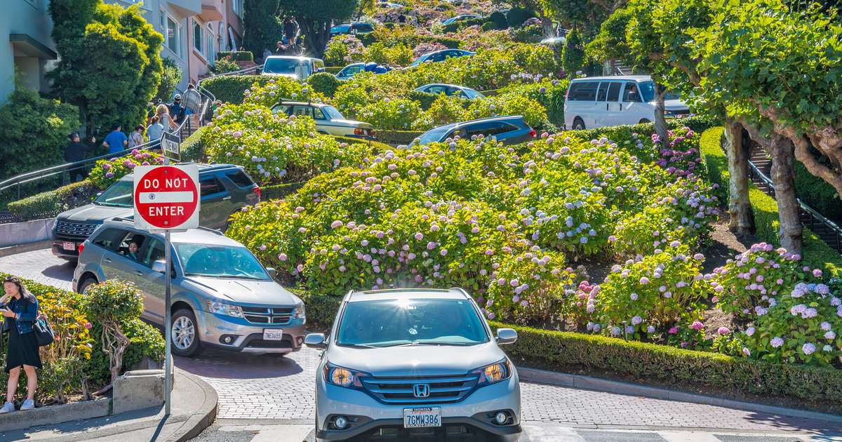 Tourists May Have to Pay a Toll to Drive Down San Francisco's Famously Crooked Street