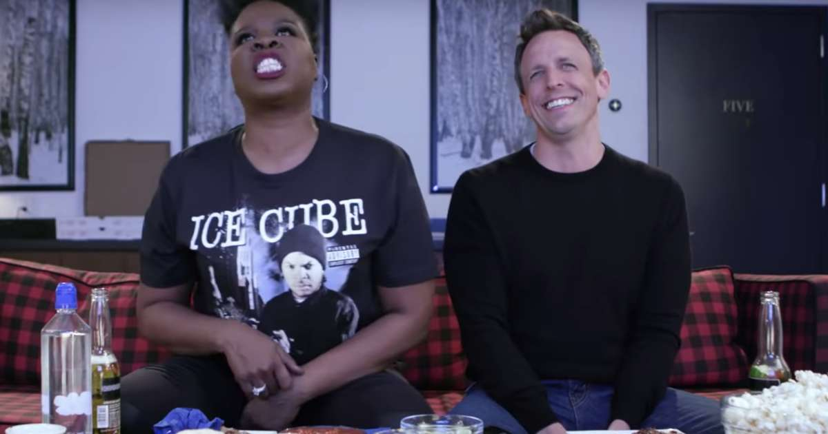 Watching Game of Thrones With Leslie Jones Looks Hilarious & Loud