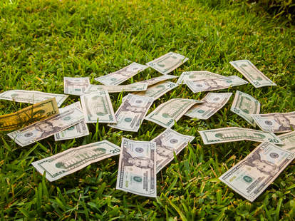 money falls off truck
