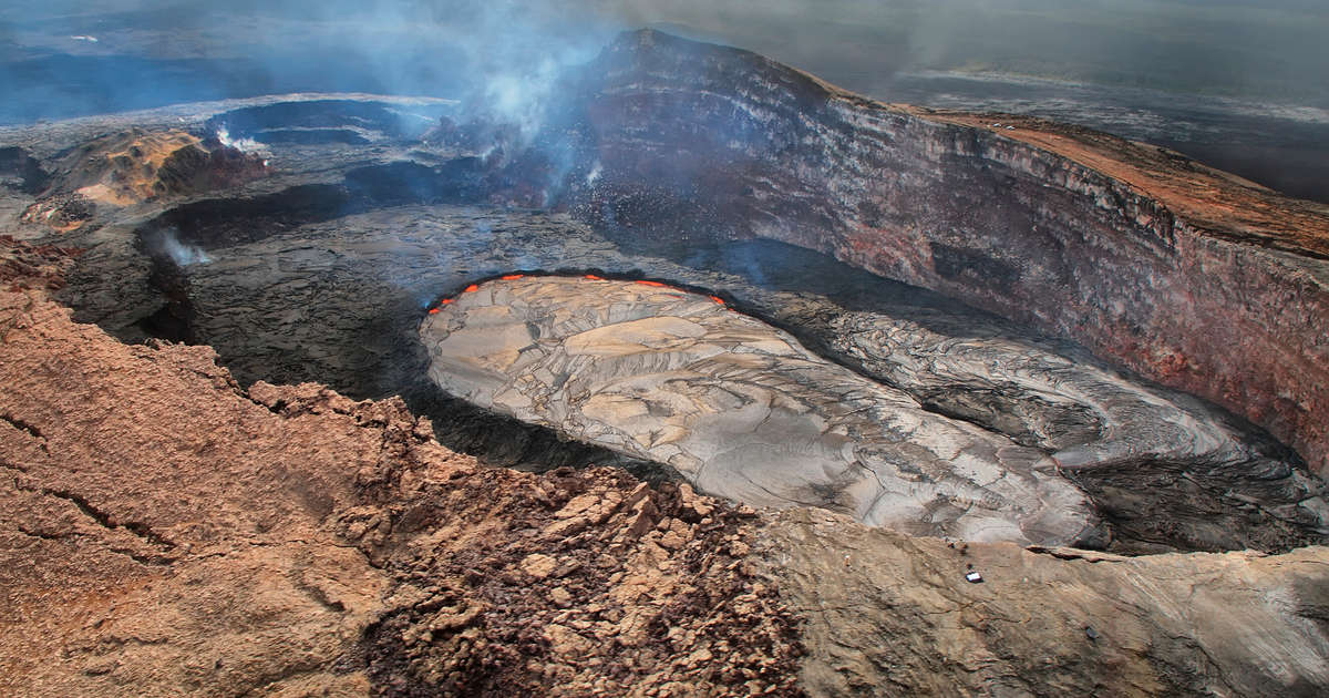 Man Falls 70 Feet Into Hawaiian Volcano Caldera After Crossing Safety Barrier