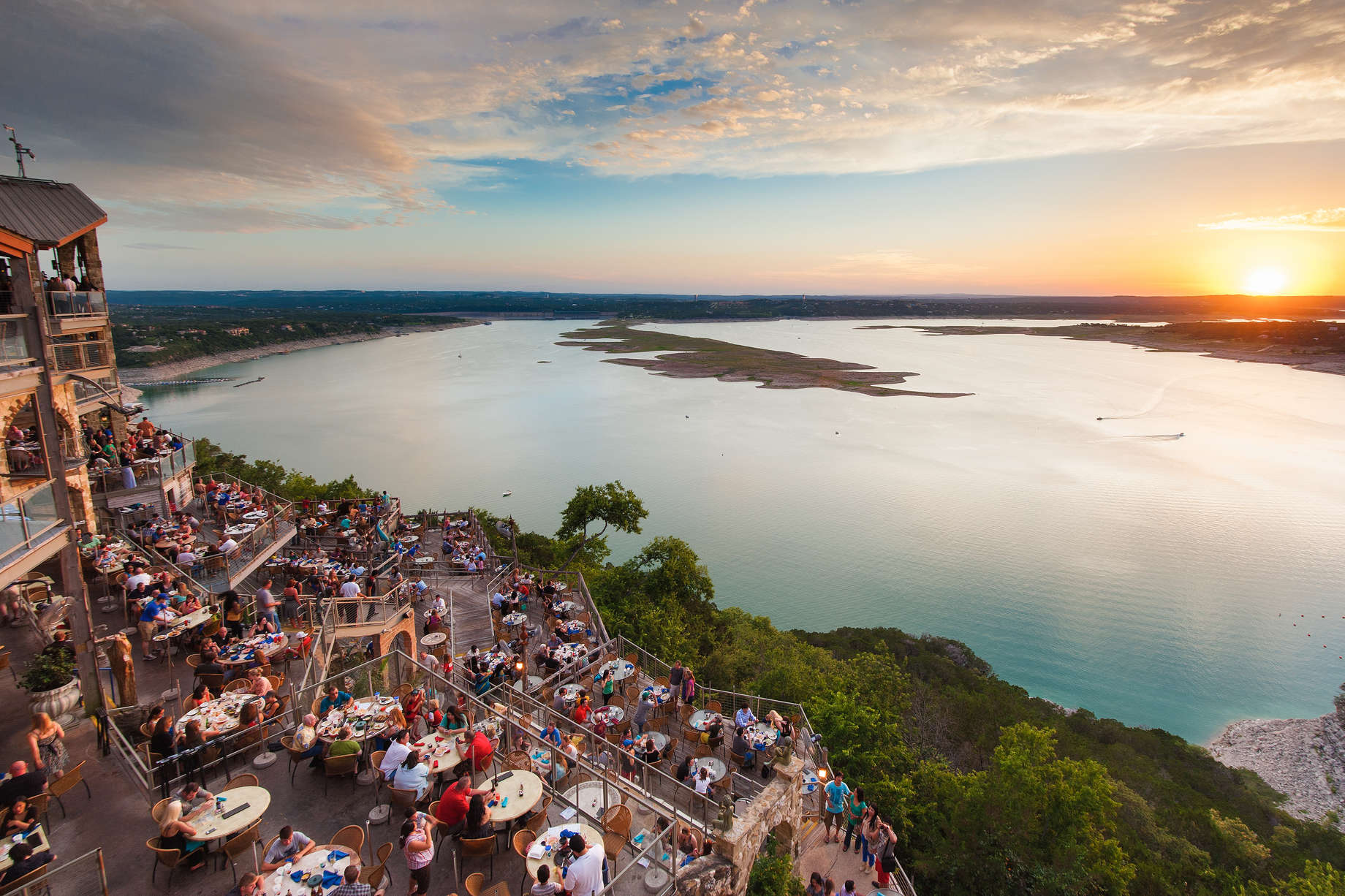 Best Lake Towns in the US: Lakes to Visit for Your Summer Vacation