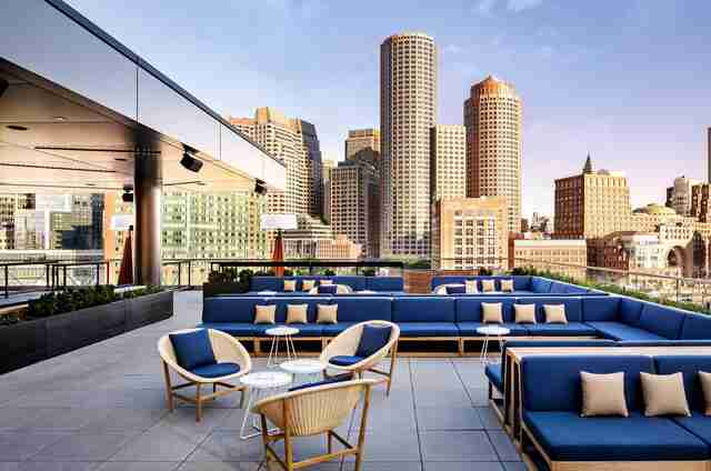 Best Rooftop Bars in Boston: Places to Drink With a View ...