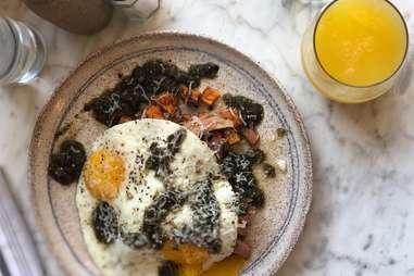 Uncle Wolfie's Breakfast Tavern
