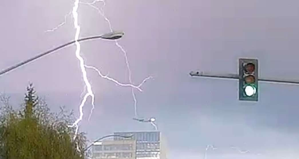 Man Captures Lightning Striking Plane and It's Terrifyingly Cool