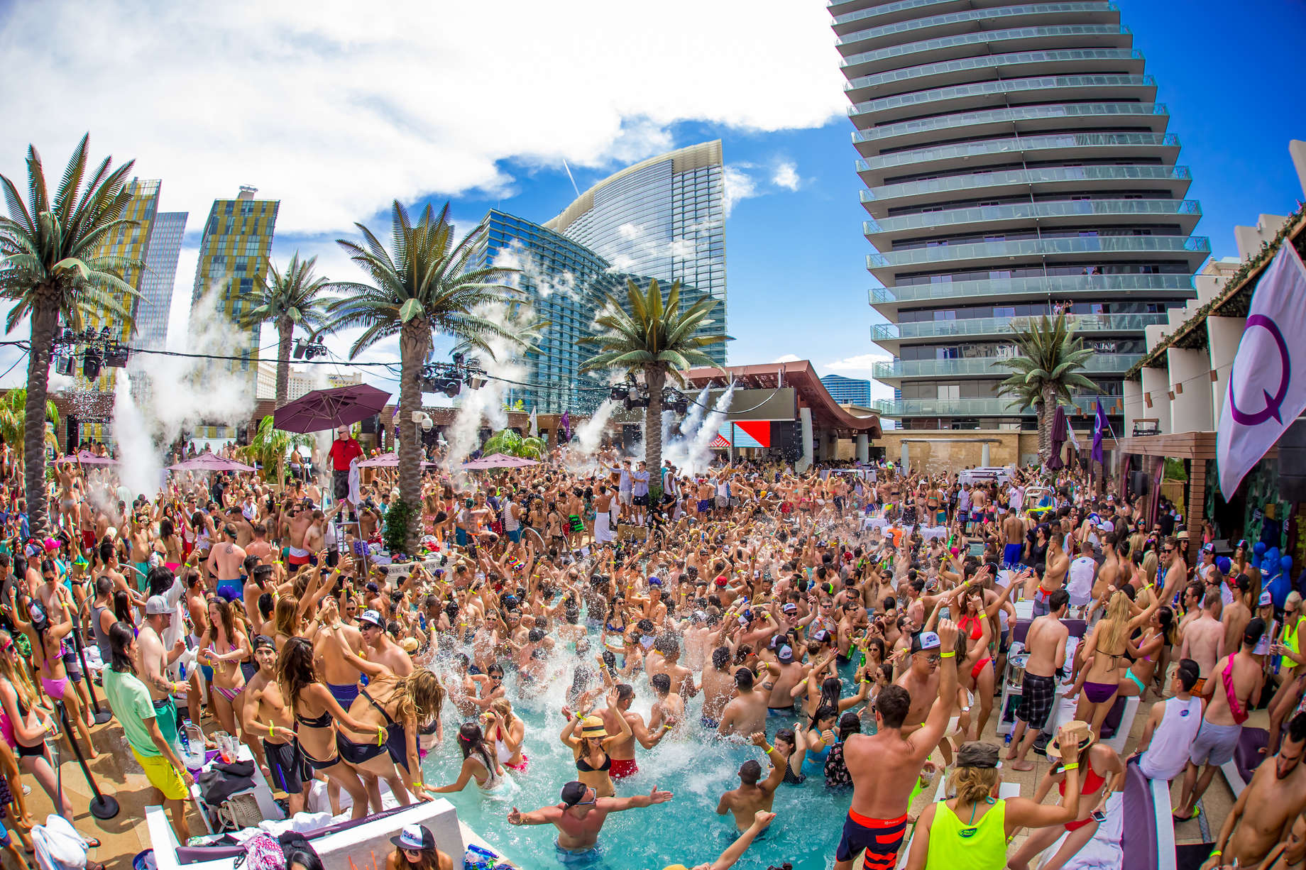 Best Dj Pool 2020 Best Las Vegas Pool Parties 2019: Dayclubs to Cool Off at This