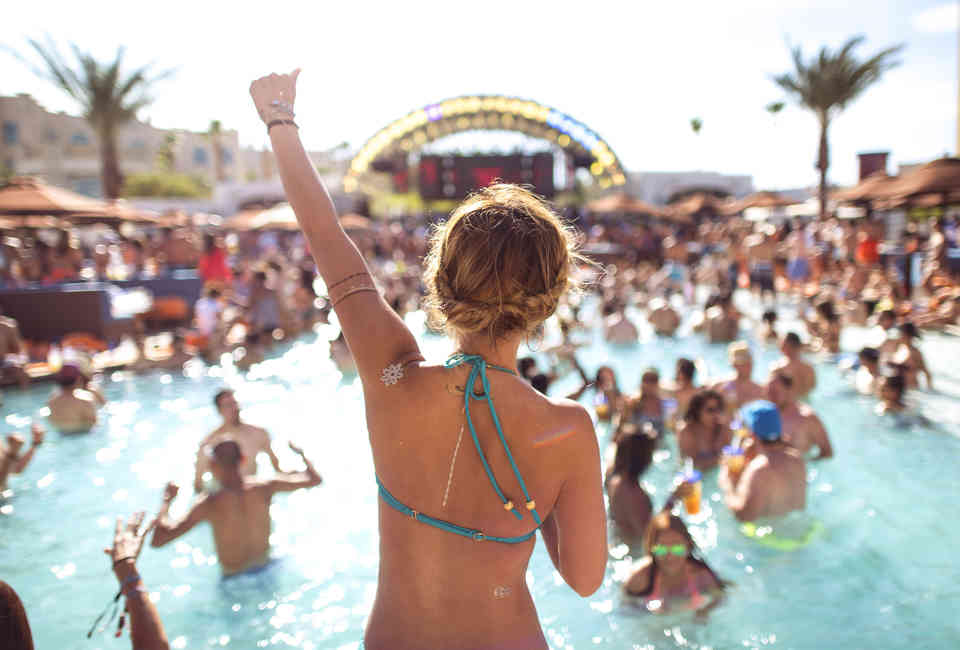 Best Las Vegas Pool Parties 2019: Dayclubs to Cool Off at