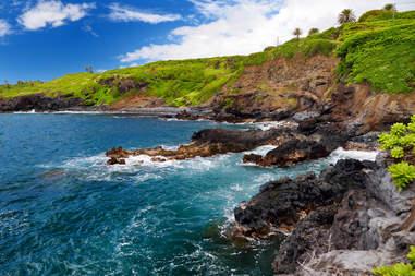 Rough and rocky shore at south coast of Maui, Hawaii, USA