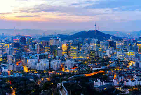 Sunrise scene of Seoul downtown