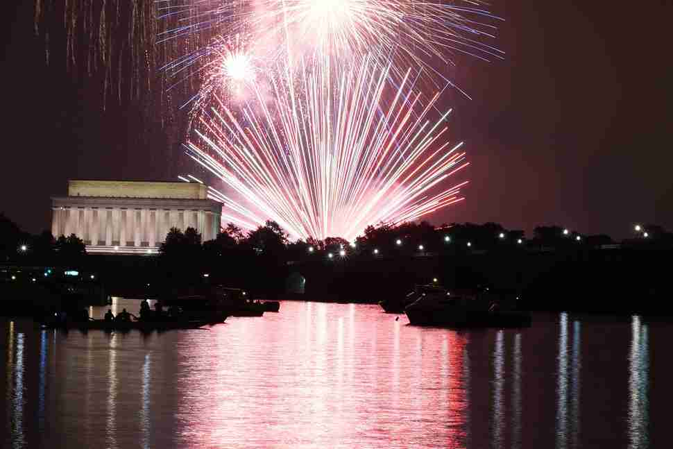Fireworks over Lincoln Memorial and Washington Monument