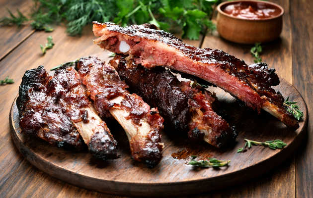 How to Make Award-Worthy Ribs Without A BBQ Smoker