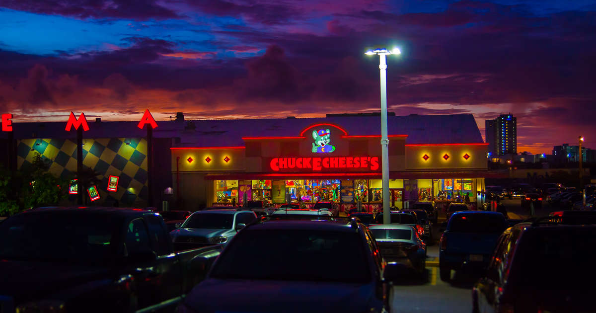 Why I Celebrated My 33rd Birthday at Chuck E. Cheese's
