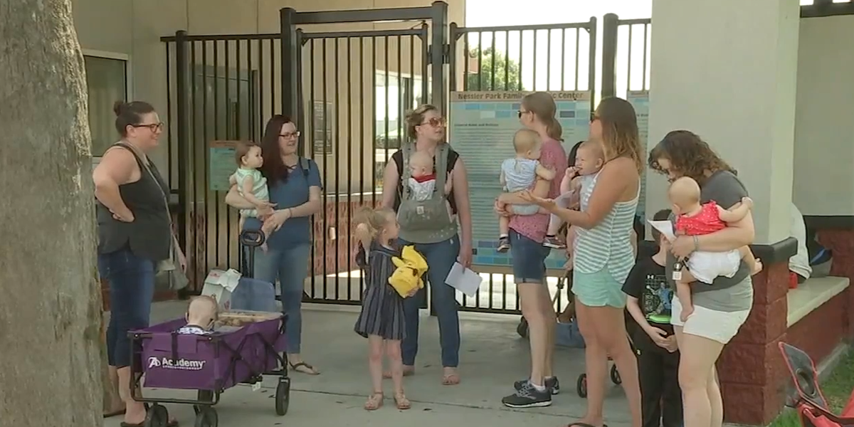 Cops Called On Texas Mother For Breastfeeding At Public -1827