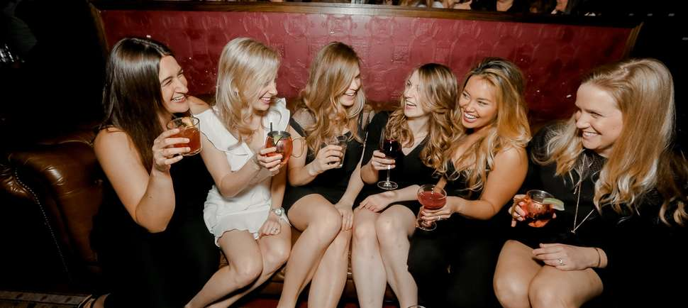 The Best Bars for Single Mingling in Chicago