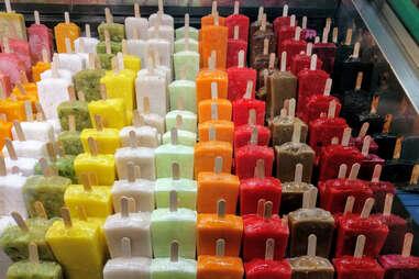 paleteria paleta popsicles paletas mexican dessert frozen ice pops