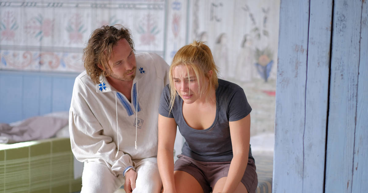Midsommar Review Hereditary Director S New Distressing Horror Movie Thrillist