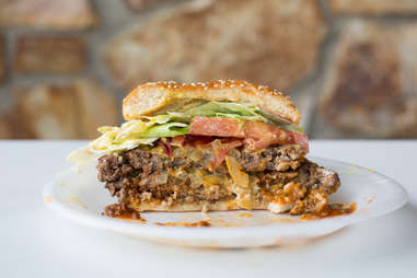 burger with chili chilies cheese burgers toppings