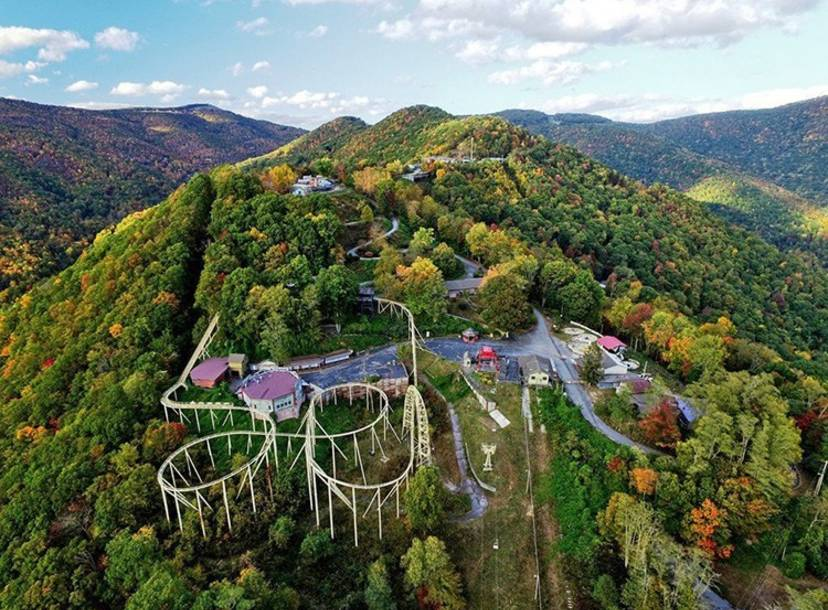 Ghost Town In The Sky Theme Park In North Carolina Is For Sale Thrillist,Modern Long Narrow Bathroom Ideas