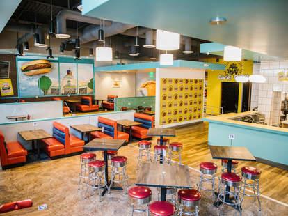 Good Burger Pop Up Restaurant Opens In Los Angeles Thrillist