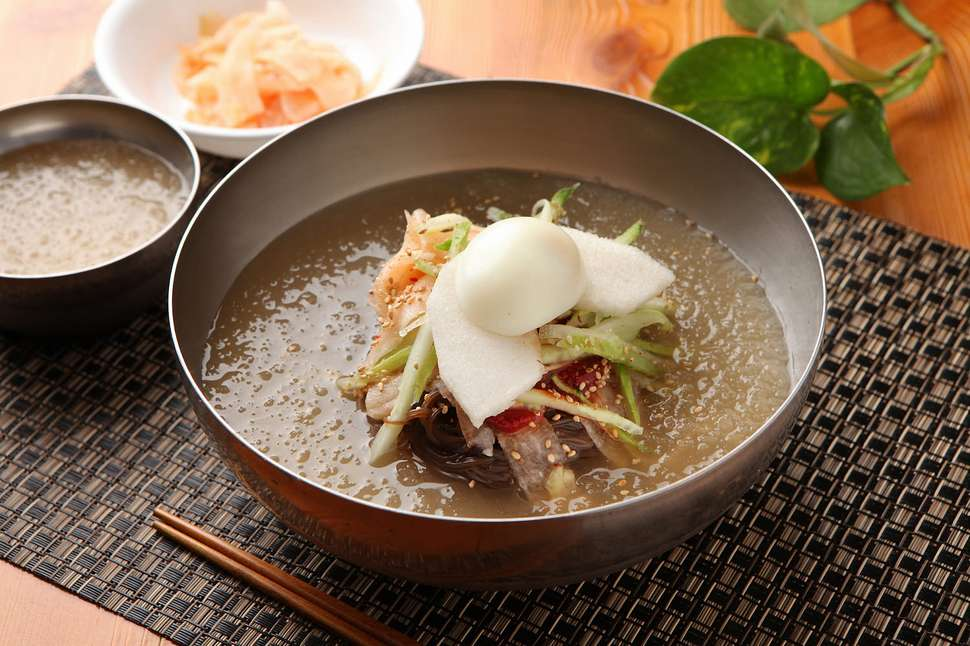 naengmyeon cold chilled korean noodles