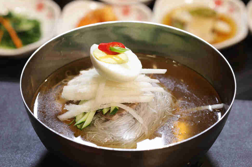 naengmyeon chilled korean noodle