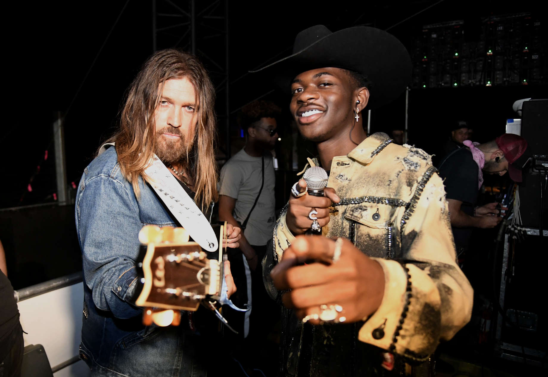 Lil Nas X S Old Town Road Explained Meme Leads To Billboard
