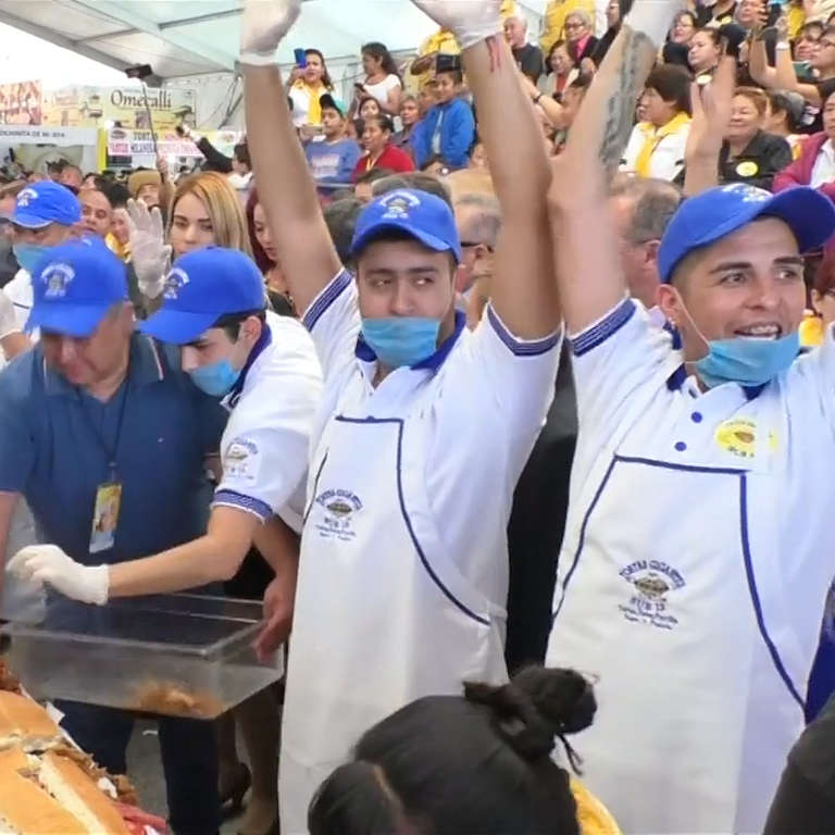 Chefs in Mexico Assemble World's Largest Torta - NowThis