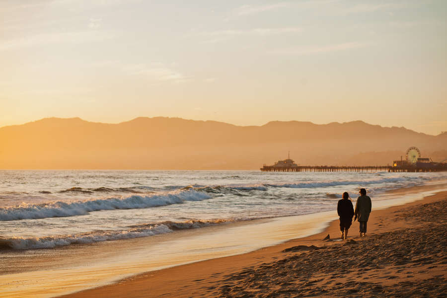 Best Beaches In Los Angeles Where To Sunbathe Eat And Drink Thrillist
