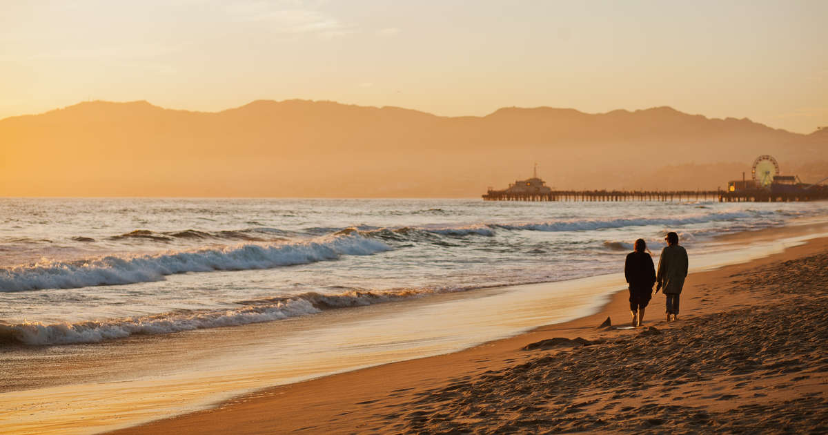 Best Beaches in Los Angeles: Where to Sunbathe, Eat and