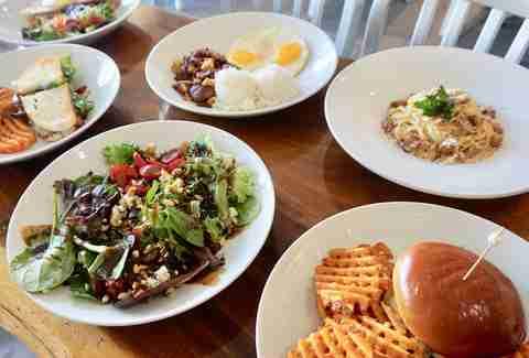 Sensational Best Brunch In Honolulu Restaurants With Brunch Menus Worth Home Interior And Landscaping Palasignezvosmurscom