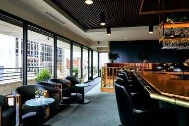 Ellington's Mid Way Bar & Grill