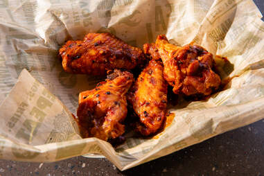Wingstop chicken wings hot wing spicy buffalo drums flats