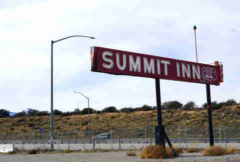 Summit Inn highway sign
