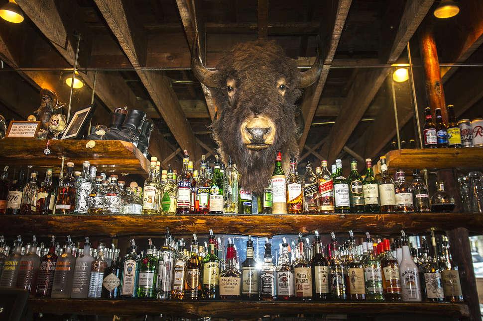 Hook up bar a Seattle Qual è il limite di incontri legali in Canada