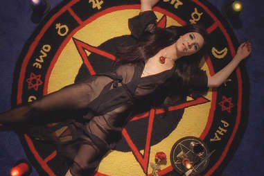 samantha robinson in the love witch, the love witch pentacle