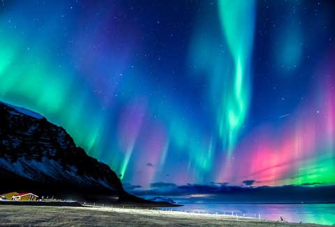 「aurora」的圖片搜尋結果