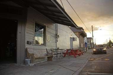 sidney's saloon nola