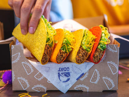 taco bell gift box set national tacos day