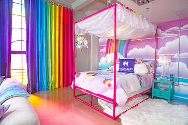 lisa frank bedroom hotel flat hotels.com