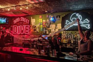 Third Street Dive