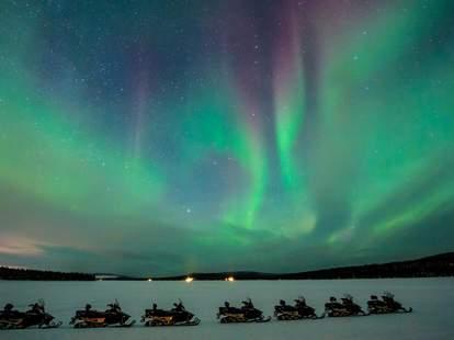 La lumière des aurores boréales de la Laponie suédoise