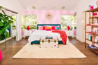 Barbie Malibu Dreamhouse Airbnb How To Vacation At Barbie S