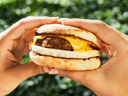beyond sausage sandwich dunkin' donuts plant based vegetarian