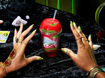 taco bell sour strawberry skittle freeze