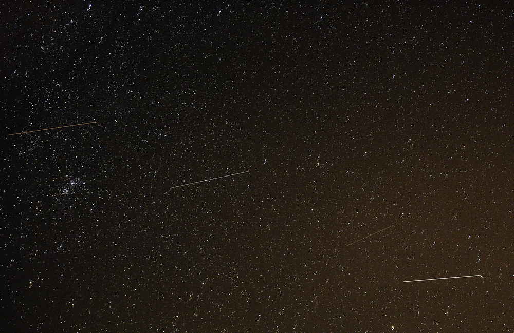 A Meteor Shower Made by Halley's Comet Peaks Tonight. Here's How to See It.