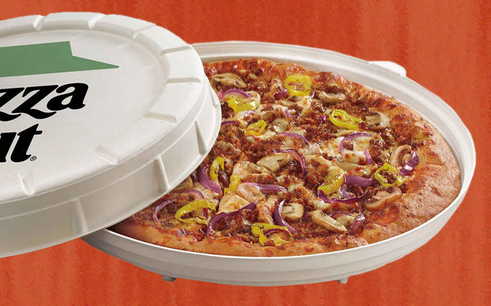 We Tried Pizza Hut's New, 100% Meat-Free Sausage Pizza. Here's Our Verdict.